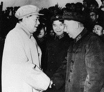 毛泽东接见袁子钦(右一)