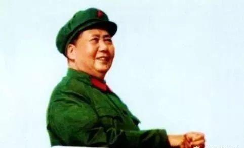 毛主席把解放军改了两个字,避免了向美宣战,在场无人不服!