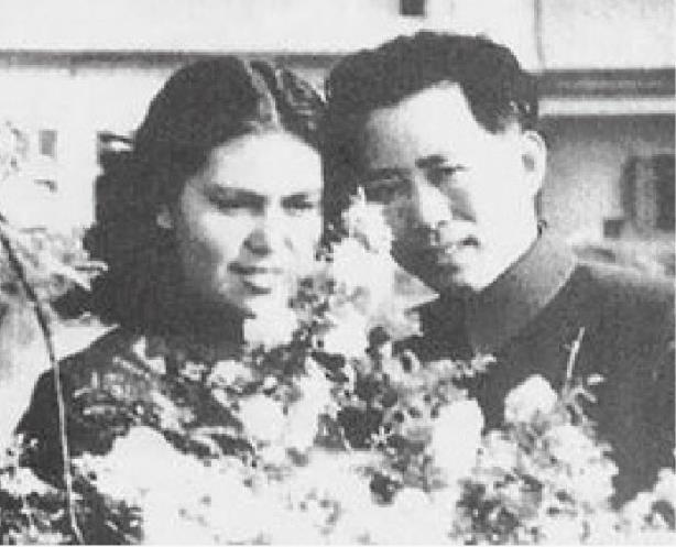 刘亚楼与妻子翟云英结婚照
