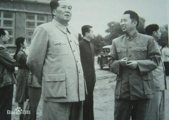 毛主席和刘亚楼