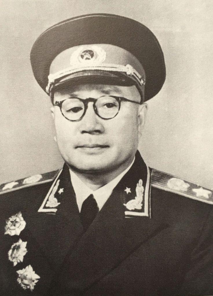 1955年,刘伯承被授予中华人民共和国元帅军衔。