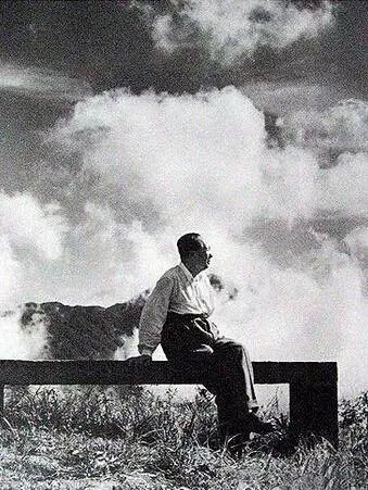 月寄人间无限情——读毛泽东诗词中的咏月章句