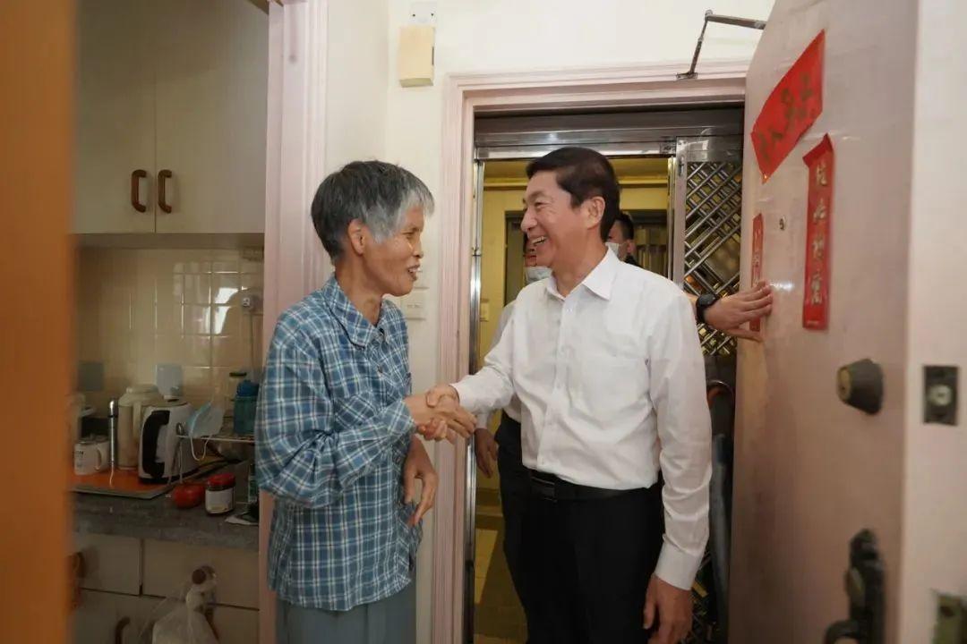 中联办这一招高明,香港某些资本家要紧张了!
