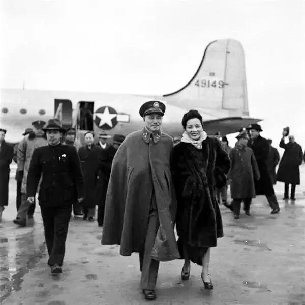 蒋介石败退台湾时说:去延安是我这辈子最后悔的,注定了国军失败