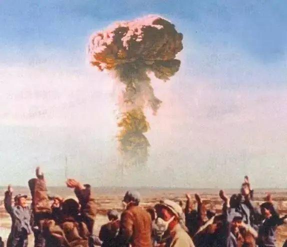 中国第一颗原子弹爆炸的背后