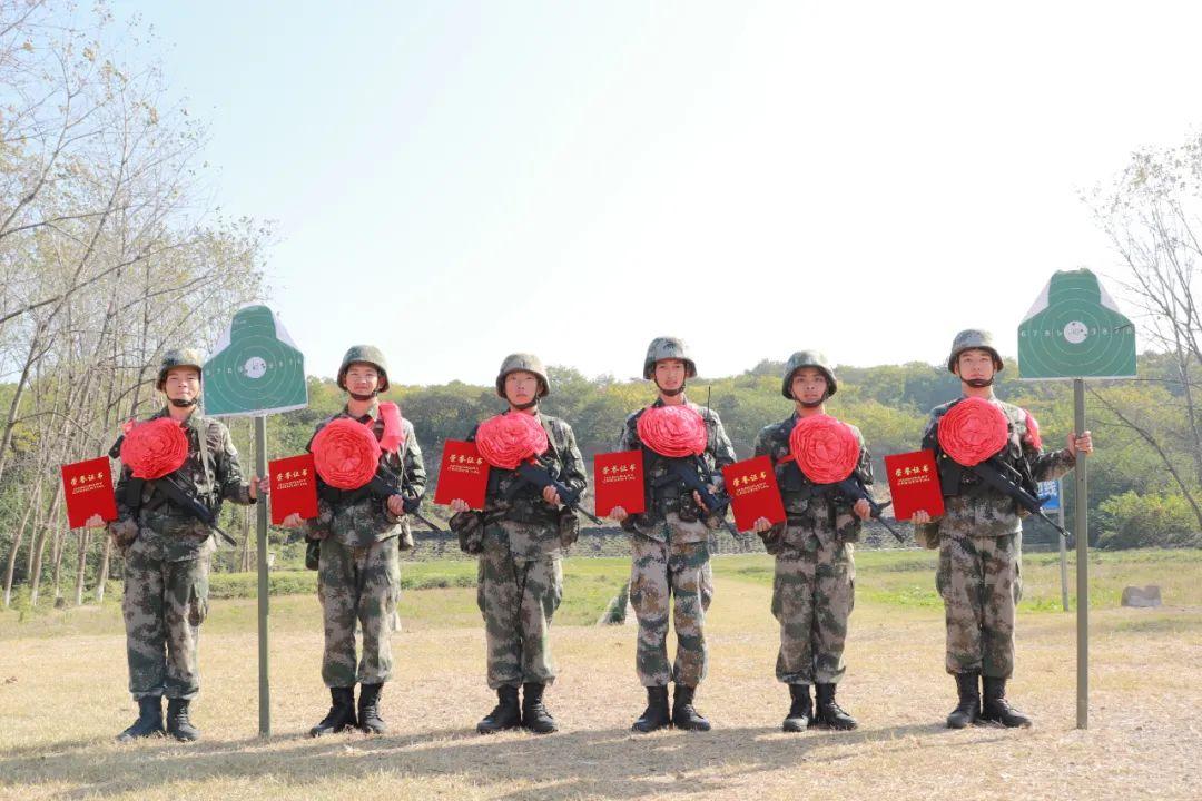 """6个50环!""""济南第一团""""新兵首次实弹射击打出开门红!"""
