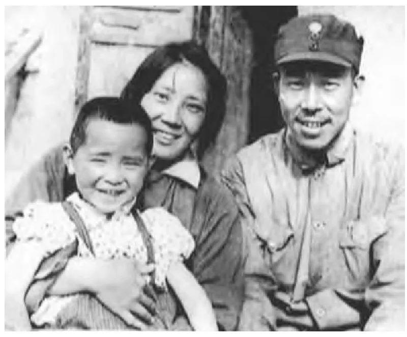 被毛泽东改过名的五个中央委员