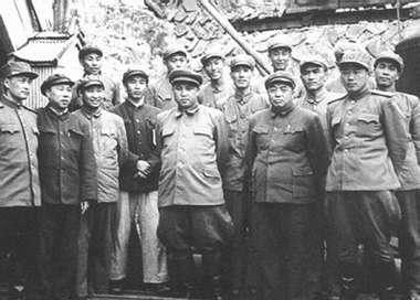 1950年12月彭德怀、金日成等在朝鲜玉泉站志愿军总部