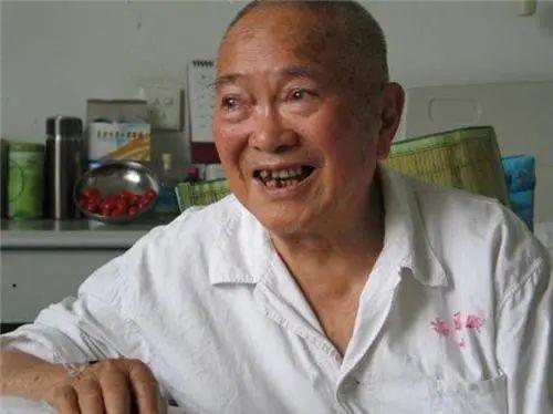 他是最小红军,7岁参军9岁长征,今94岁依旧健在,舅舅是开国元帅
