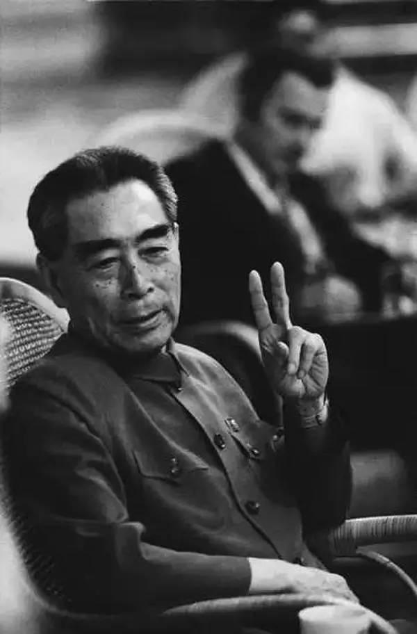 他已逝世45周年,但依旧是中国最帅的男人!