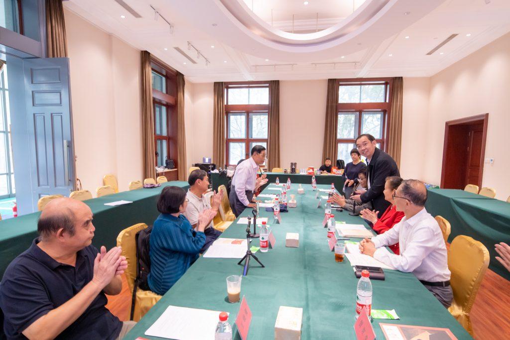 太行分会秘书长李小峰宣布会议开始,介绍每一位来宾,并提出参会要求。