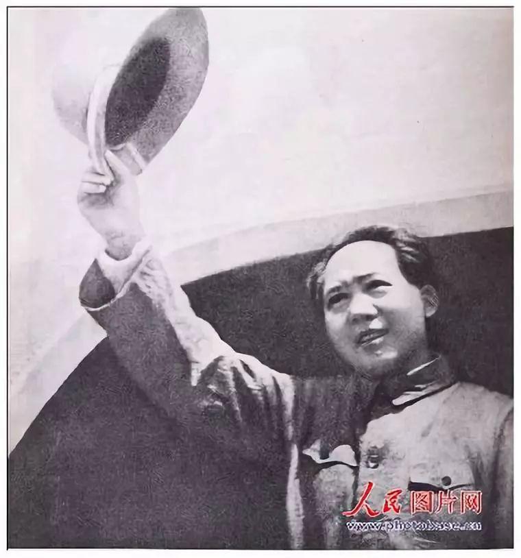 今天是毛主席逝世45周年,126张照片,让我们泪眼模糊