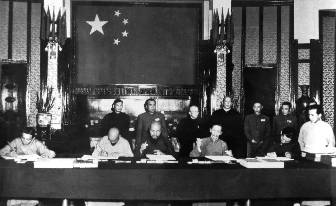 1951,张经武为什么能成为中央人民政府驻藏代表?