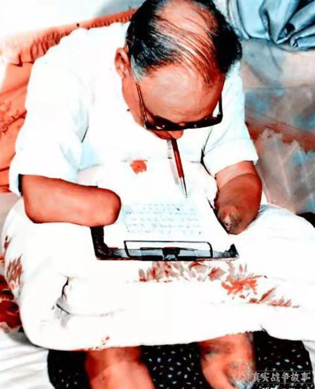 他17岁在长津湖失去四肢,饿得吃掉了自己的眼球 | 冰血长津湖07
