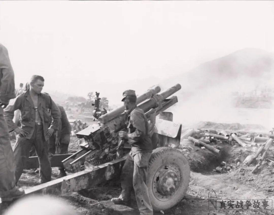 战场最罕见一幕:长津湖上志愿军一边杀敌,一边救敌   冰血长津湖08